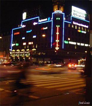 20070816061033-luzneon.jpg